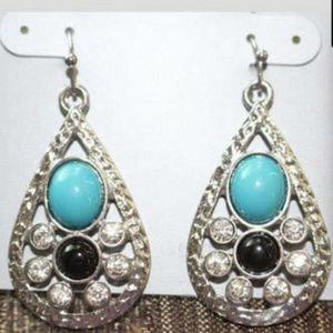 Accessories - NEW EARRINGS